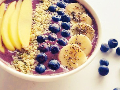strongbodynl, vegan blauwe-bessen-smoothie-bowl