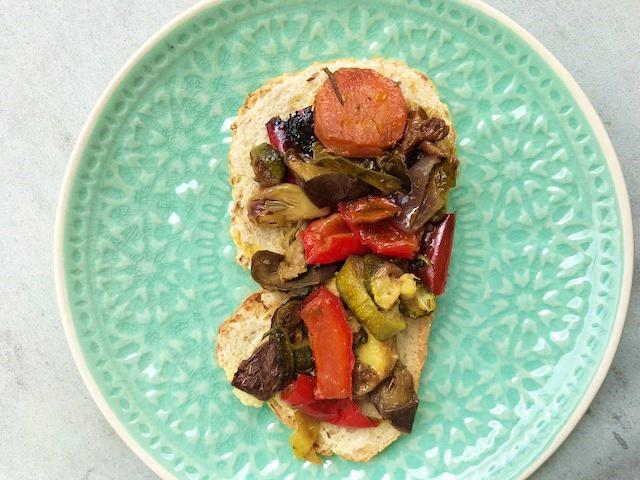Geroosterde champignons en groente
