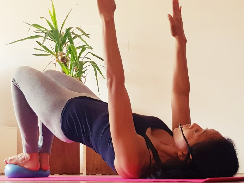 Pilates mini ball benen workout