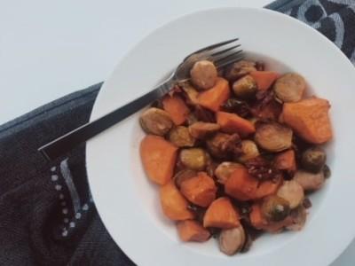 Spruitjes met zoete aardappel en pecannoten
