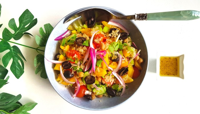 kikkererewten couscous salade   strongbody.nl