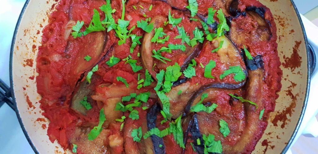 Aubergine in tomatensaus met couscous